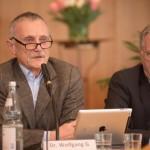 Dr. Wolfgang-G. Elias, Ehrenmitglied des Ärztl. Beirats, beantwortet medizinische Fragen