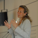 "Sabine Lamprecht, Physio-therapeutin an den Schmieder Kliniken, rät zu ""Sport bei MS"""